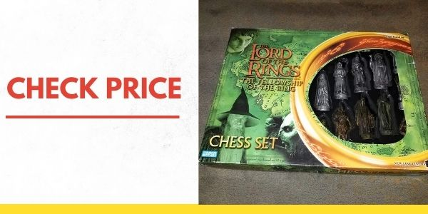 Parker Brothers Lord of the Rings - Fellowship of the Ring Chess Set